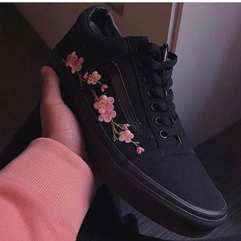 Noch nicht gefunden  - (Schuhe, Blumen)