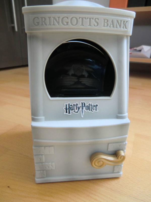 wo bekomme ich die gringotts spardose her harry potter hogwarts. Black Bedroom Furniture Sets. Home Design Ideas