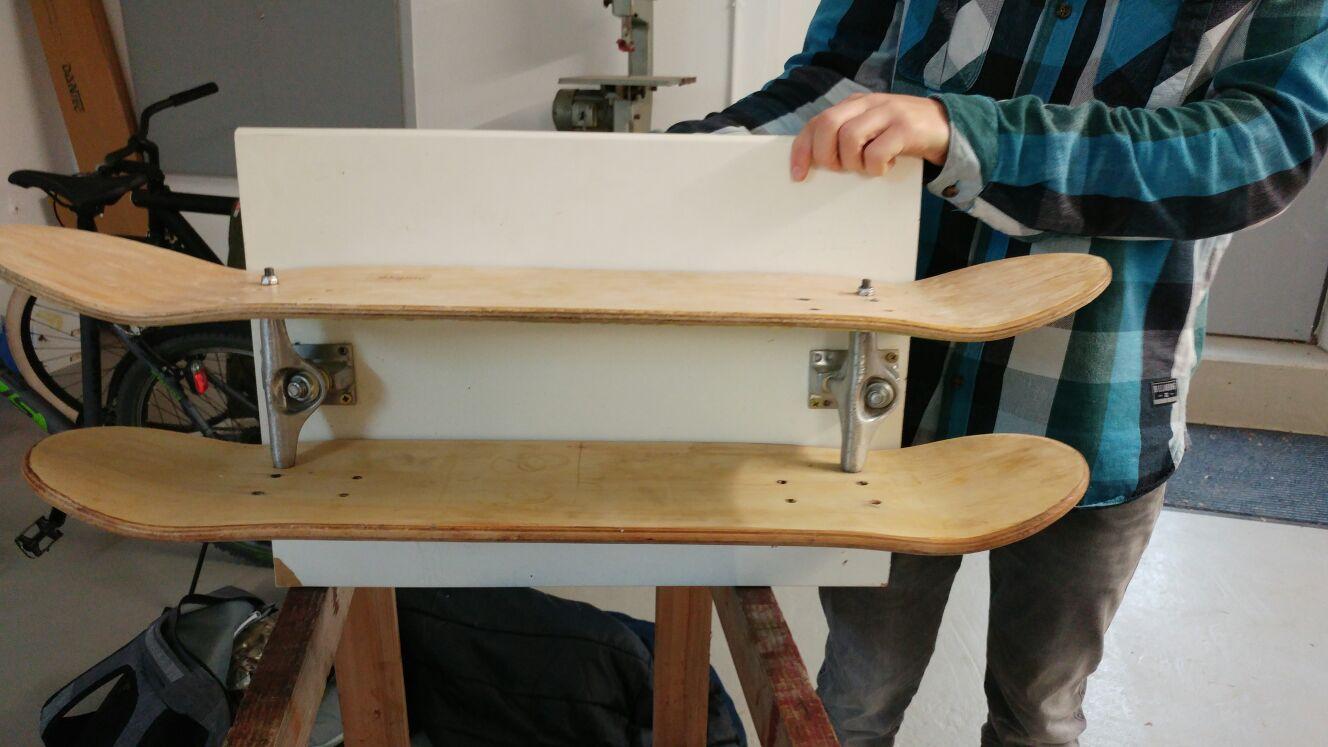 wo bekomme ich gebrauchte alte skateboards schule firma. Black Bedroom Furniture Sets. Home Design Ideas