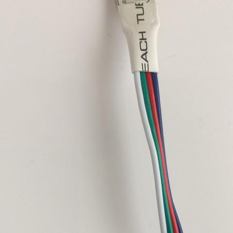 Hinteres Ende des Kabels,man sollte es mit LED Streifen verbinden können  - (Technik, LED, Anschlüsse)