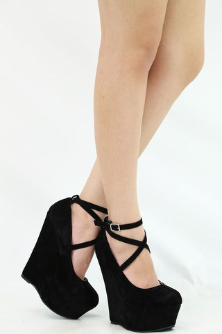 online store d276a 9226c Wo bekomme ich solche High Heels mit Keilabsatz in größe 43 ...