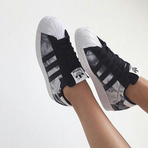 Wo bekommt man diese Adidas Superstars? (Schuhe, Suche, Nike)