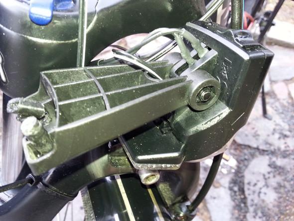 Wo bekommt man Fahrrad Scheinwerferhalter für Fuxon und Suntour Gabel her?