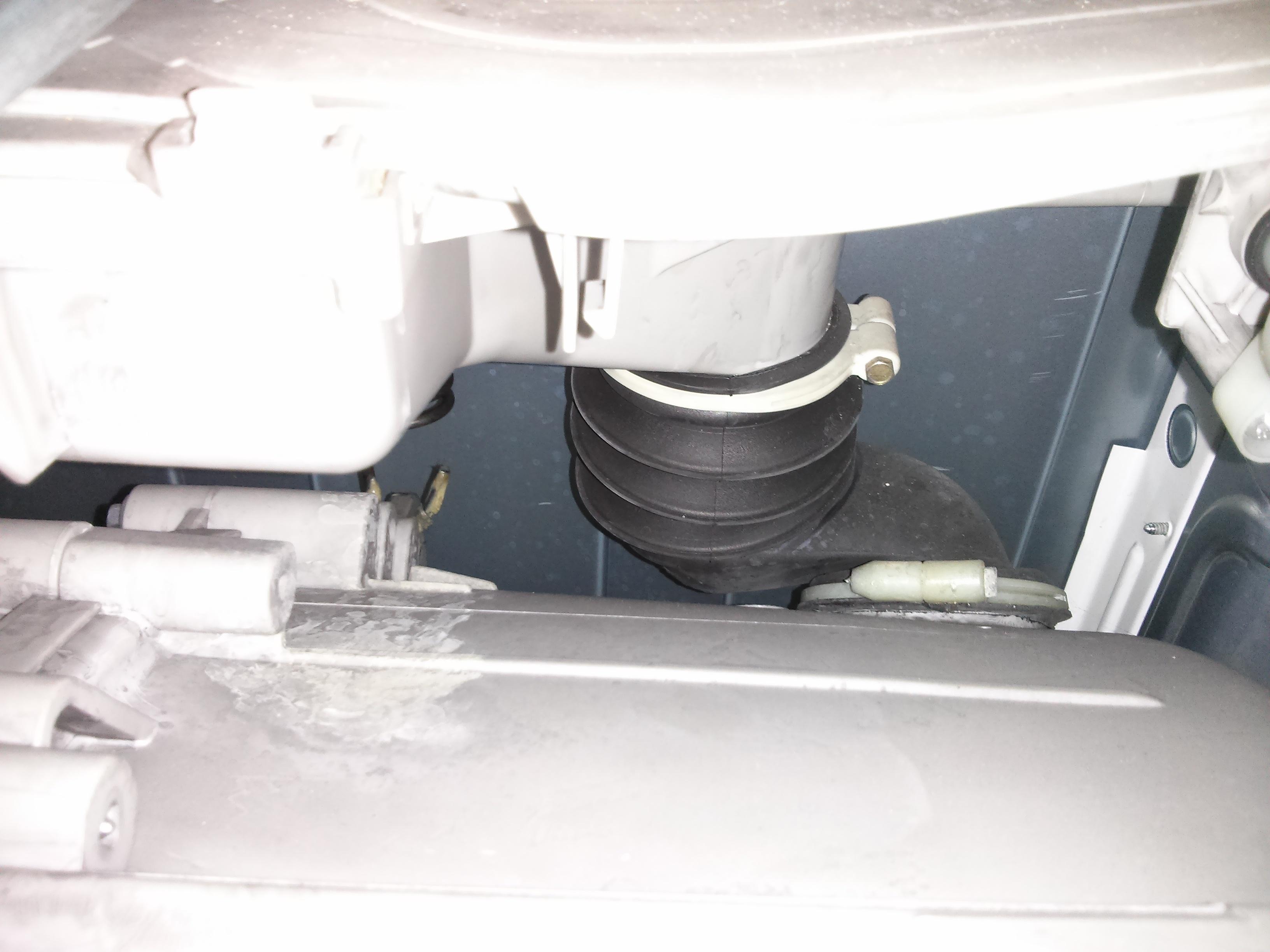 wo finde ich den entl ftungsschlauch an meiner aeg lavamat l84820 waschmaschine spuelkasten. Black Bedroom Furniture Sets. Home Design Ideas