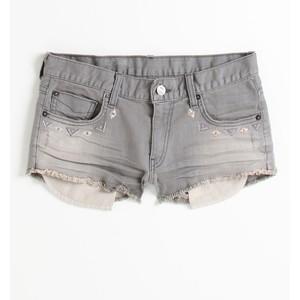 wo finde ich diese art von jeans-shorts?
