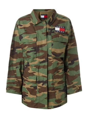 Wo finde ich diese Camouflage Jacke von Tommy Jeans?