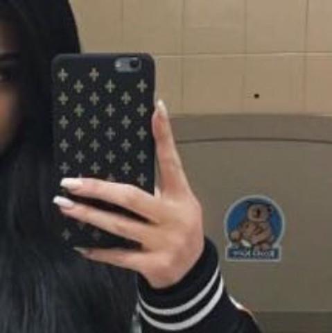 Kylie Jenner - (Handy, Apple, kaufen)