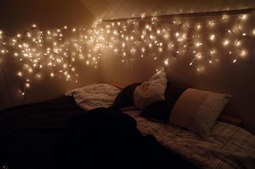 Wo finde ich diese lichterkette zimmer - Lichterkette bett ...
