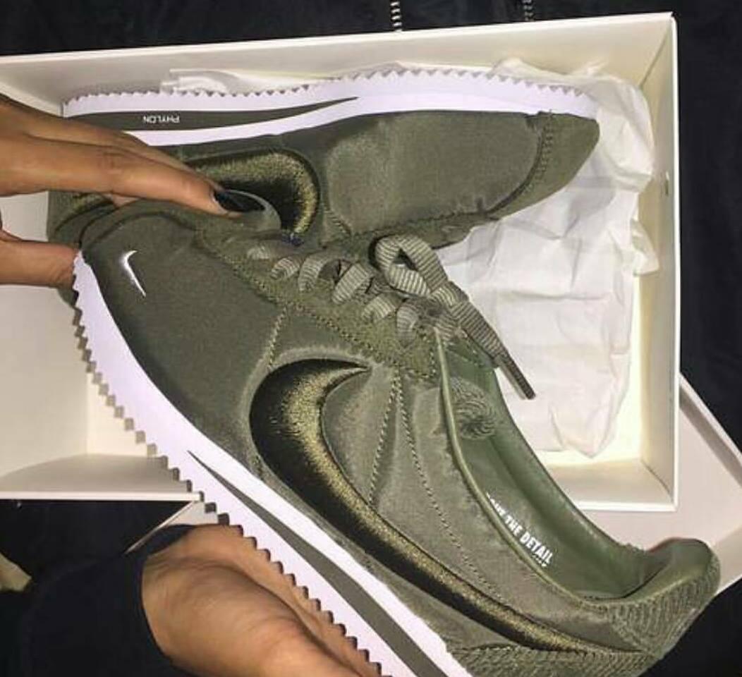new concept 08ece 06160 Nike Cortez Khaki Damen