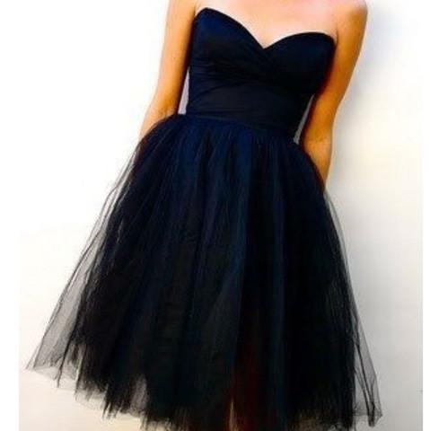 Das 1.kleid schöner Ausschnitt und mittellang mit tüll - (Abschluss, Kleid, abschlussballkleid)