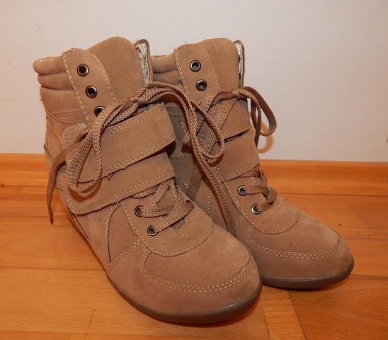 Schuhe 1 - (Schuhe, braun, Keilabsatz)