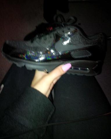 Wo finde ich diese schwarzen Nike Glitzer air max? (schwarz