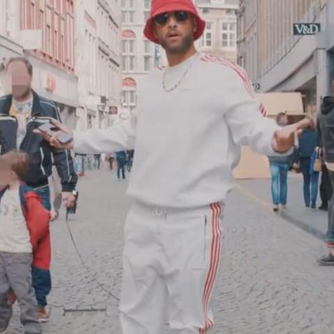 Diesen Anzug?  - (Kleidung, Training, Rap)