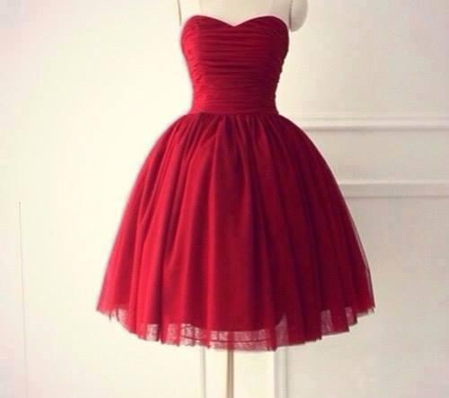 Kleines rotes kleid