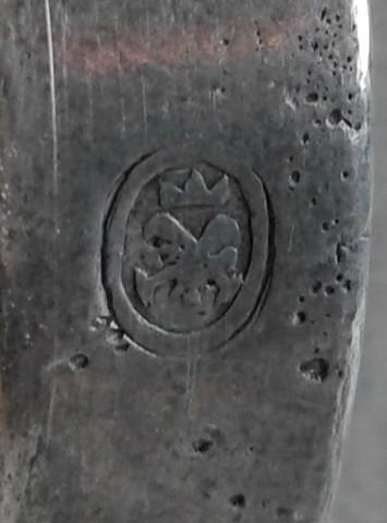 Punze am seitlichen Griff - (Antik, Punzen, Zinnstempel)