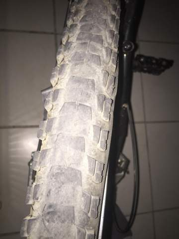 Wo finde ich so ein Fahrradreifen (26 Zoll)?