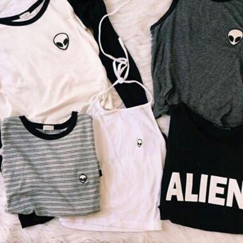 So sehen die aus :)  - (Klamotten, Alternative, Aliens)