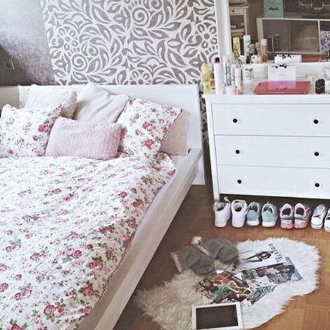wo gib 39 s die zu kaufen blumen bettw sche. Black Bedroom Furniture Sets. Home Design Ideas
