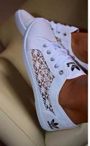 Wo gibt es adidas lace schuhe online zu kaufen?