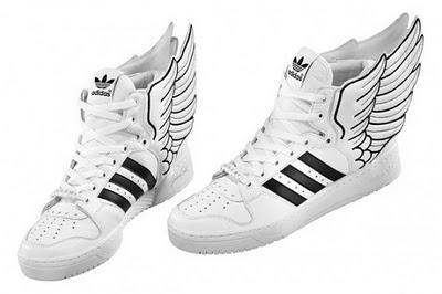 Wo gibt es diese Adidas schuhe mit flügeln?