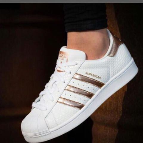 Hab nur bilder gefunden aber keine shops  ( - (Schuhe, adidas, Gold 3ee684c15e