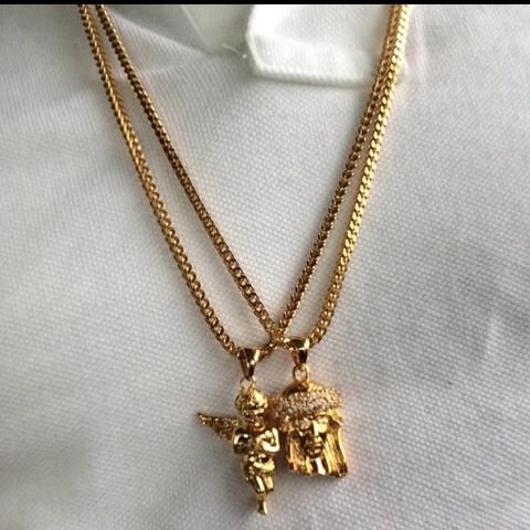 Muss kein echtes Gold sein, aber in der Farbe wäre es perfekt.  - (kaufen, Gold, Kette)