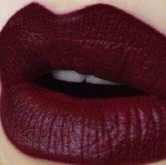 wo gibt es diese lippenstift farbe suche rot. Black Bedroom Furniture Sets. Home Design Ideas