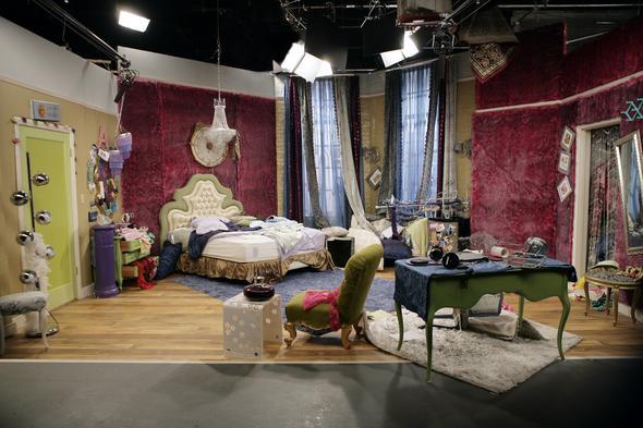 wo gibt es diese tollen pinken pelztapeten zimmer. Black Bedroom Furniture Sets. Home Design Ideas