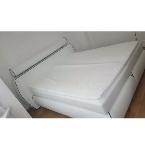wo gibt es dieses bett segm ller xxxlutz oder vielleicht ikea bitte um hilfreiche antworten. Black Bedroom Furniture Sets. Home Design Ideas