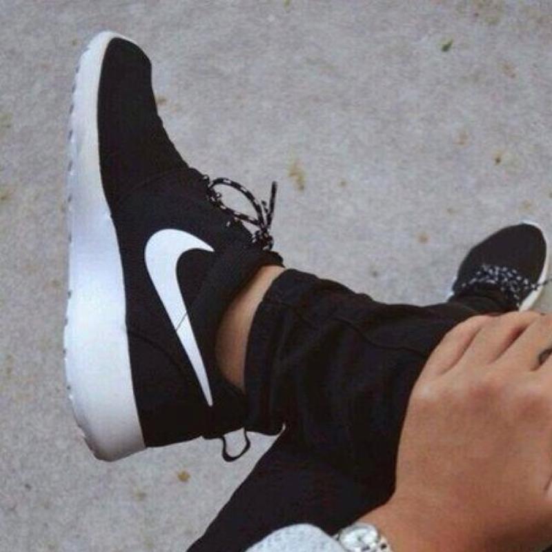 Nike Roshe One Schwarz Weiß Damen