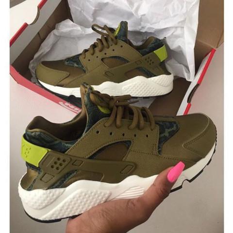 Nike wmns air huarache army green /military green - (Schuhe, Nike, Huarache)