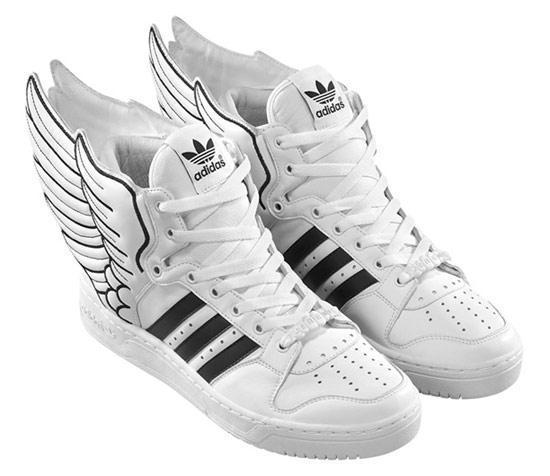 Adidas Schuhe  - (Schuhe, adidas, Schuhe mit Flügeln)