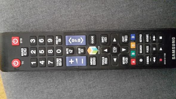 - (Handy, Samsung, TV)