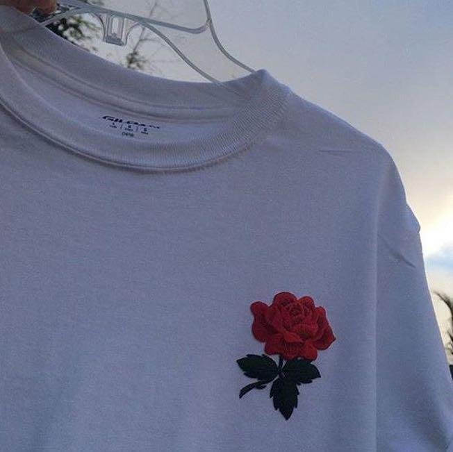 Wo kann ich das tshirt finden t shirt rosen for Wo kann ich innenarchitektur studieren
