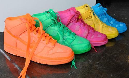 Wo kann ich die Nike Neon Dunk High Nylon Sneakers kaufen?