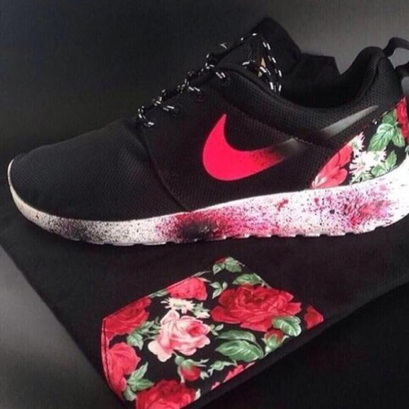 Weiß Roshe Nike Run Muster Schwarz QdxrCtsh