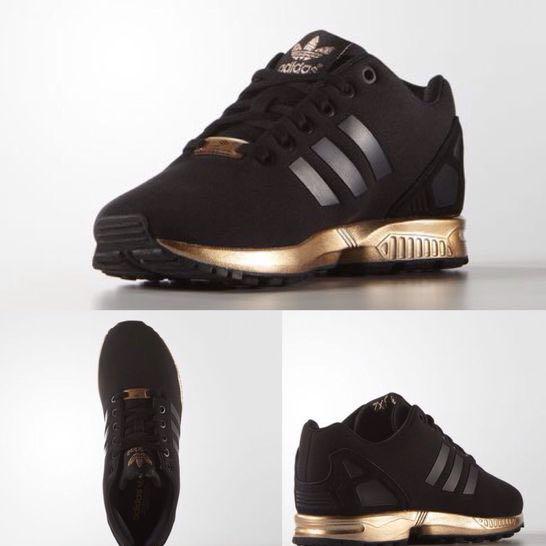 Wo kann ich diese schwarz goldenen Adidas Schuhe kaufen