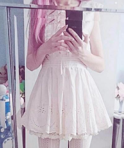 Wo kann ich dieses Kleid von Liz Lisa kaufen?