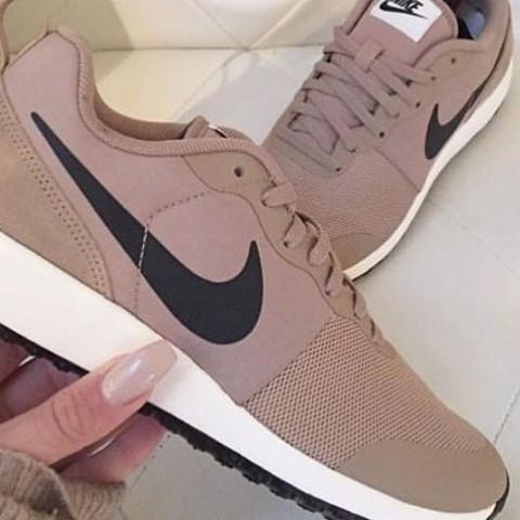 Wo kann ich genau diese Schuhe herbekommen? (Nike)