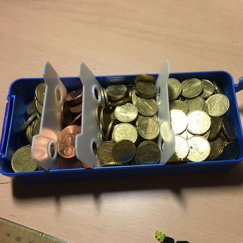 links 50ct 2.von links 5ct 3.von links 10ct und ganz rechts 20ct Münzen. - (Geld, Bank, Muenzen)