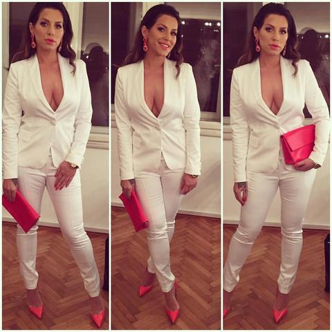 Wo kann ich mir einen weißen Damenanzug kaufen oder bestellen?
