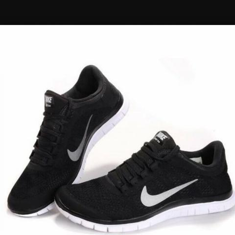 weisse nike damenschuhe mit roter sohle