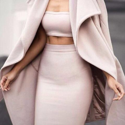 ..... - (Kleid, Kim Kardashian, Zweitelig)