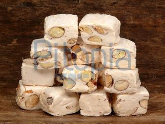 auch weißer Nougat genannt - (essen, Türkei, Suessigkeiten)
