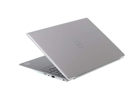 WO kann man beim Dell Laptop eine Speicherkarte von der Kamera einstecken?