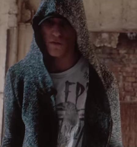 Wo kann man den Jacken Pullover oder was das ist von Deamon