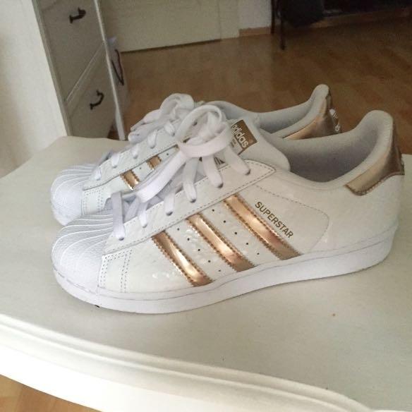 Adidas Superstar Weiß Rosegold Streifen adidasschuhedamensale.de 888fb19974