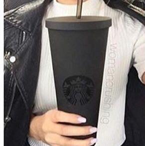 hier  - (Starbucks, Matt, Becher)
