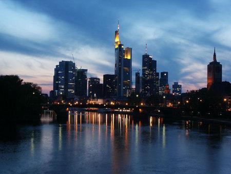 wo kann man frankfurts skyline am besten sehen freizeit. Black Bedroom Furniture Sets. Home Design Ideas