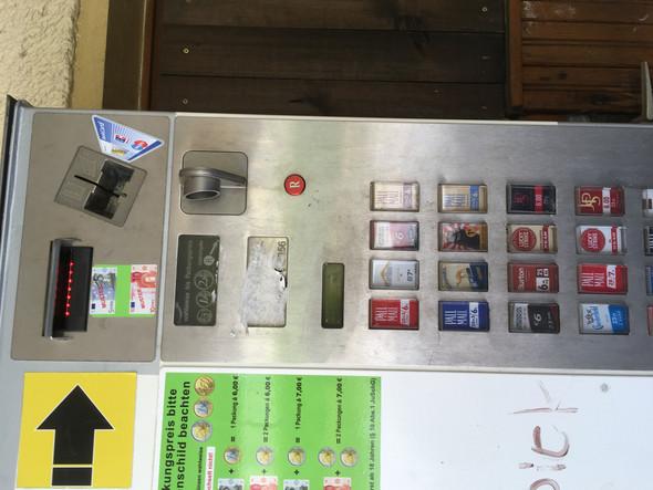 Wo Kann Man Hier Die Münzen Einwerfen Geld Automat